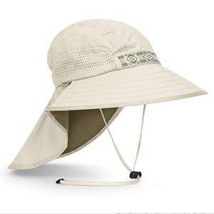 NWT Sunday Afternoons Adventure Sun Hat Cream